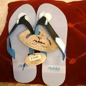AIR BALANCE  size 10 flip flop new